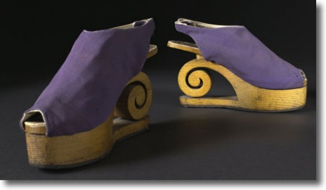 Beautiful taffeta and wood sandals by Dunand in 1941