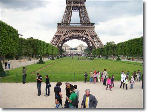 Paris tours : Paris museums : Paris sightseeing : the Eiffel Tower, Paris