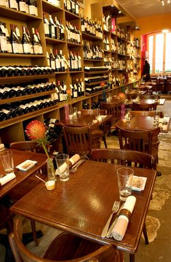 Wine bar bistro Les Papilles is in Paris 75005